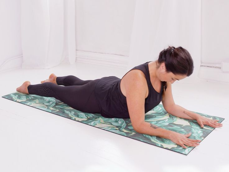 Want to set yourself up for a deepsleep? Here is yoga practitioner Catalina Moraga's approach.
