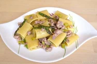 » Paccheri con asparagi e salsiccia Ricette di Misya - Ricetta Paccheri con asparagi e salsiccia di Misya