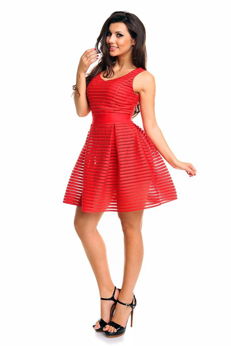Czerwona rozkloszowana sukienka z siateczką