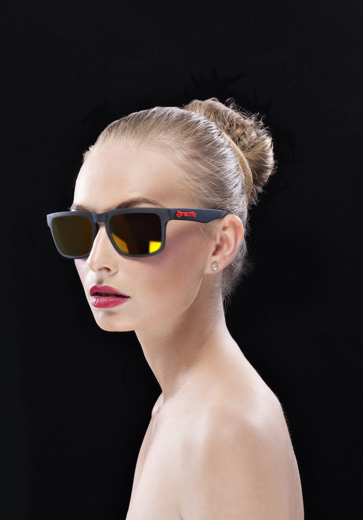 MEATFLY SUNRISE SUNGLASSES 2015 Model: Veronika Valinová