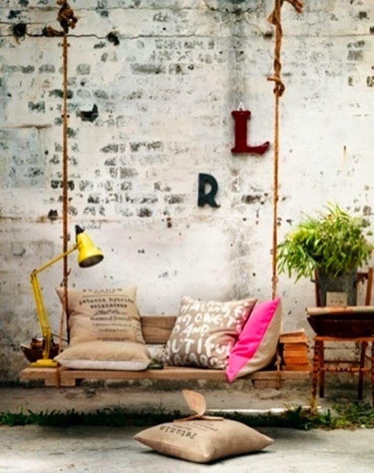 Качели садовые (60 фото) - уютный отдых на свежем воздухе http://happymodern.ru/kacheli-sadovye-60-foto-yarkix-idej/ 11