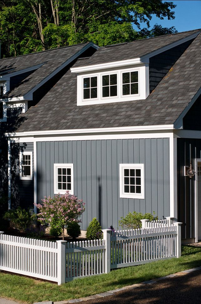 Best 25 vertical siding ideas on pinterest farmhouse for Popular vinyl siding colors