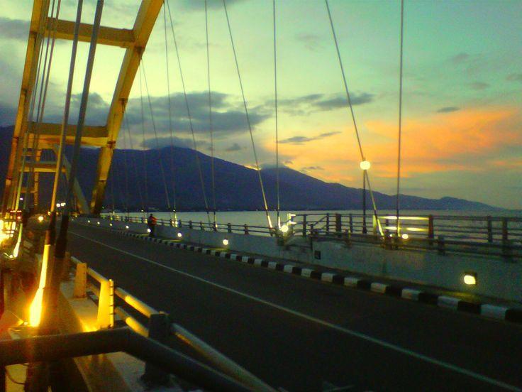 Senja di Teluk Palu