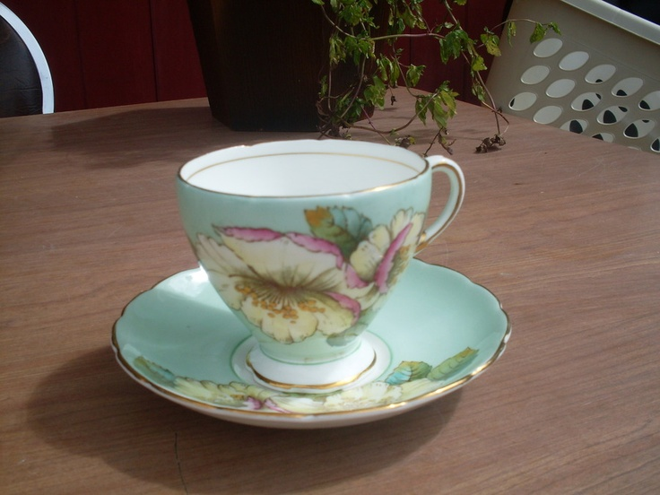 Foley Bone China Cup And Saucer 1850 EB: Pretty Cups, Vintage Teacups, China Cups Plates, Id D Cups, Teacups Sauces, Bone China, Foley Bone, Antique Tea