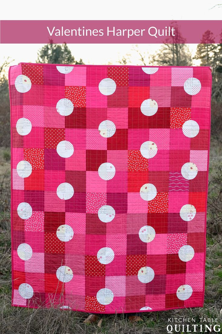 Valentines Harper Quilt / Modern Polka Dot Quilt #quilt #modernquilt #polkadot