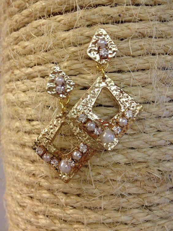VENDO ORECCHINI dorati con perle e strass.:  #compro #subito #vendo