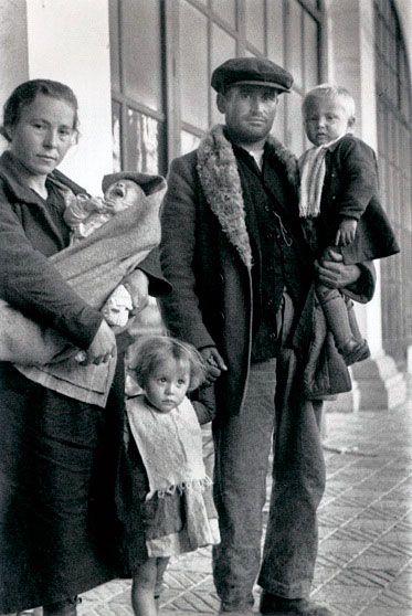 Spain - 1936. - GC - La España de Agustí Centelles - Maldito Insolente