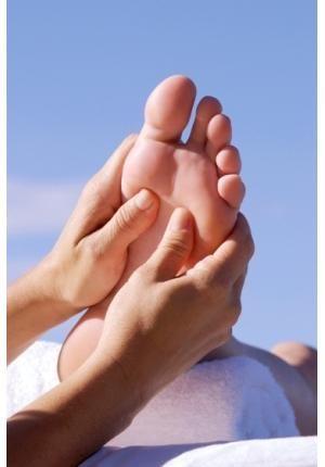 A auto massagem consiste na técnica da acupuntura por pressão, ou seja, uma compressão por pontos estratégicos. Ao chegar em casa cansada depois de um dia longo de trabalho e sem ninguém para fazer uma massagem, essa técnica pode ser feita sozinha, e