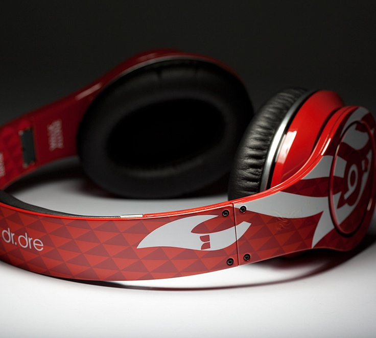 Liverpool: Beats by Dr. Dre.... DROOL....