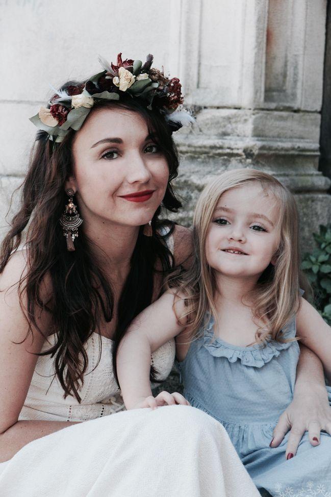 petite fille d'honneur       Couronne & photographie Eléonore M  https://lapromenadeinterrompue.com/portfolio/pretty-face/