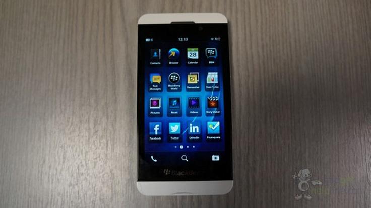 BlackBerry Z10 blanco, nuevas imágenes de esta versión: Whitez10 1, Beautiful Photos, Blackberry Z10, Z10 Beautiful, White Blackberry, Blackberries, Z10 Photos