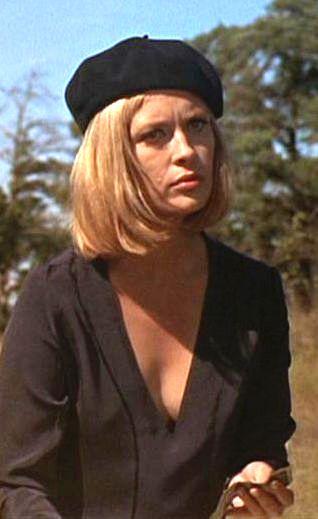 Faye Dunaway as Bonnie in Bonnie & Clyde (1967). Costume Designer: Theadora Van Runkle
