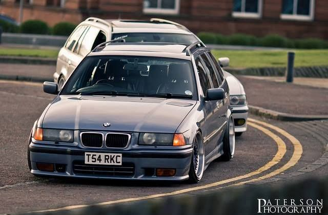 Extremely well fitted BMW E36 touring on OEM BMW