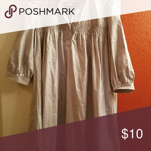 Silver smock Funky silver smock great to wear with leggings jeans...the pic do no justice. Color has shimmer and well made. No flawa. Great condition. Tops Tunics