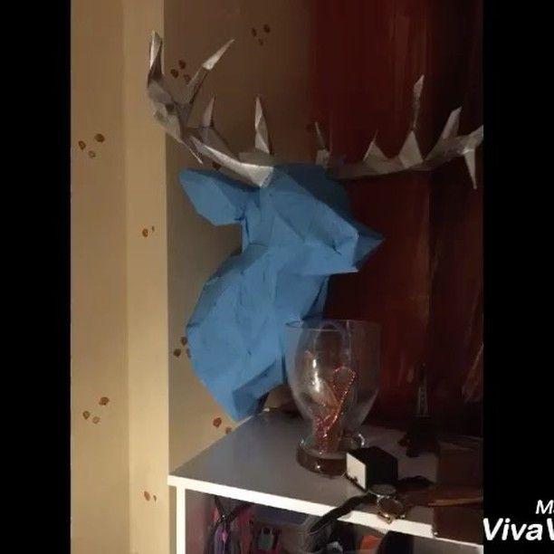 Say hi to my new roommate ✌🏻️#papercraft #deer #roommate #art #artwork #artstagram #artshow #artgallery #sculpture