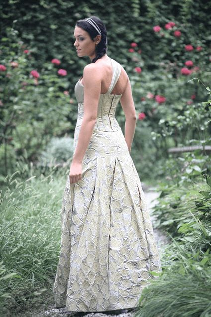 La Nuova Sartoria: Abiti da sposa alternativi. Mod. Donata