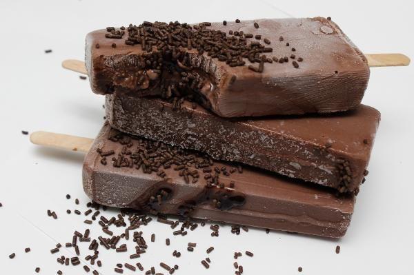 Aprenda a preparar paleta mexicana de chocolate com esta excelente e fácil receita!