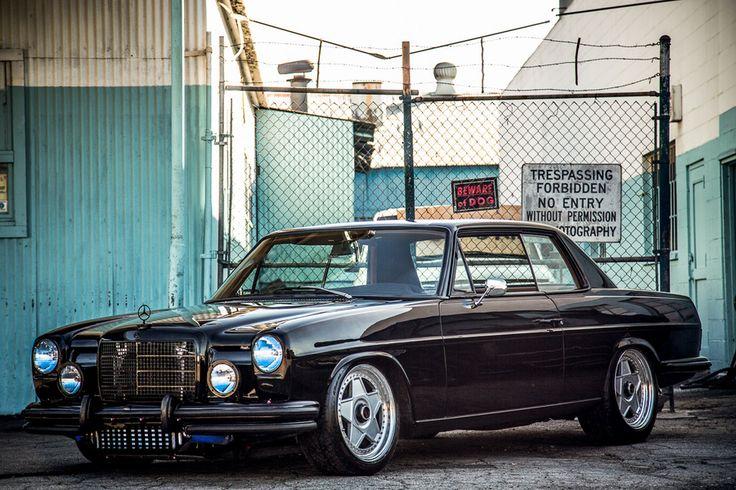 Mercedes-Benz W 114 Coupé