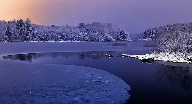 Night river. - photo Antti-Jussi Liikala