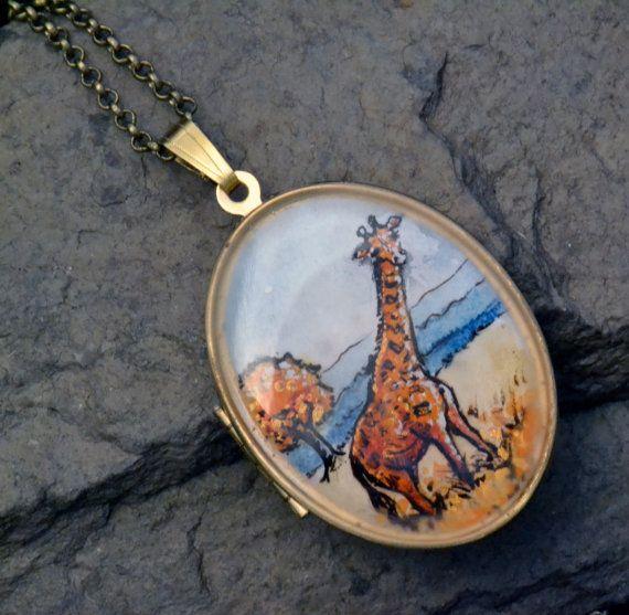 Giraffe Medaillon, Giraffe Schmuck, handbemalt