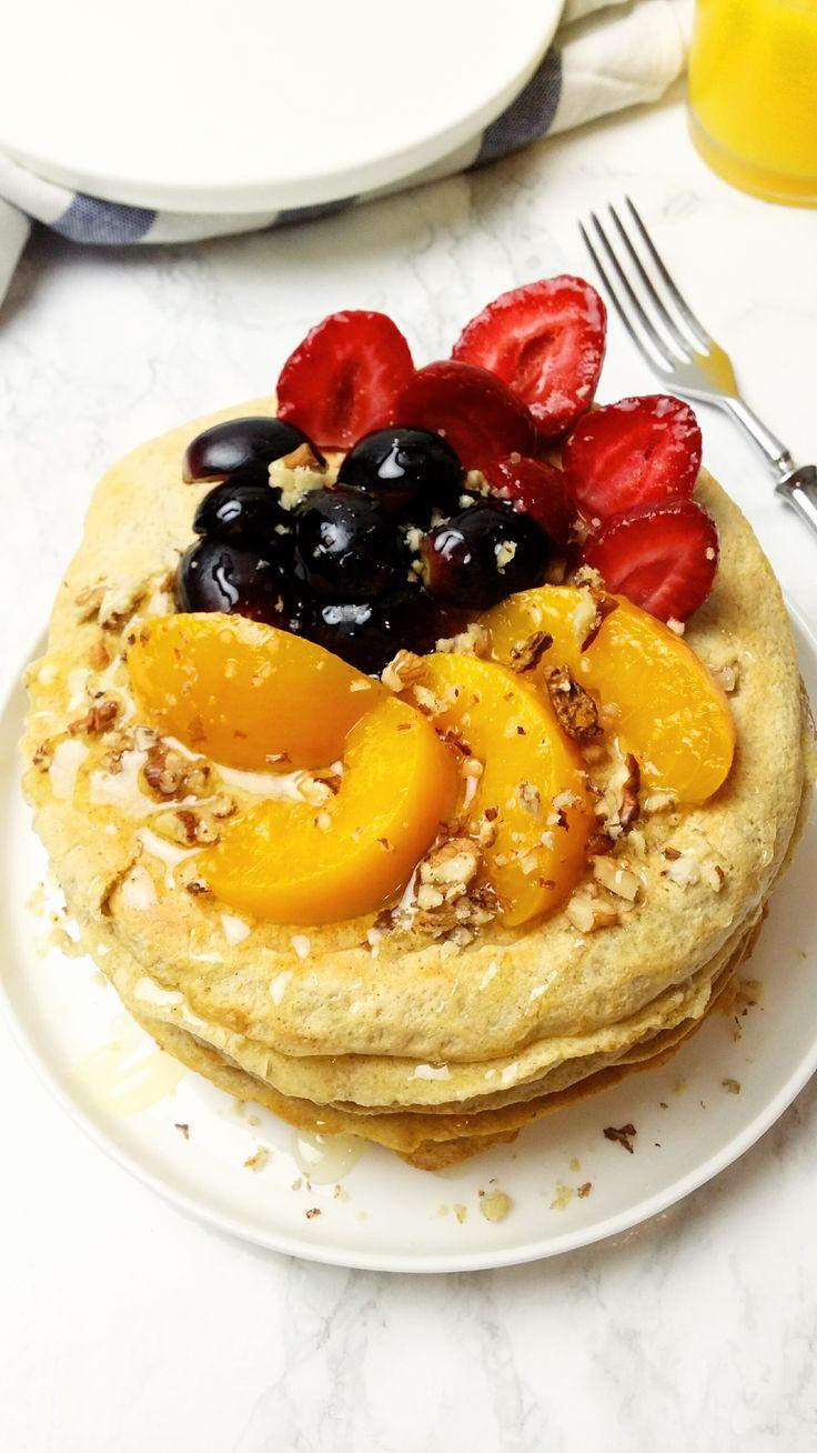 Puszyste owsiane naleśniki w wersji mini ze słodką nutą cynamonu. Podaj je z owocami a twoi bliscy okrzykną cię mistrzem kuchni!