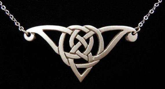 Celtic Jewelry  Celtic Knot Necklace Pewter SCA door treasurecast, $9.98