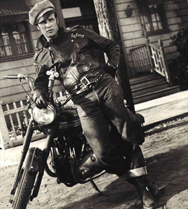 Fizemos uma seleção de algumas das motos mais importantes da sétima arte que dividiram cenas com atores comoMarlon Brando,Tom Cruise eArnold Schwarzenegger, mostrando a atuação dessas maquinas que fizeram parte de verdadeiros clássicos do cinema. Na nossa lista tem a lendária Harley-Davidson Fat Boy,Kawasaki Ninja entre outras… Quando o diretor[...]