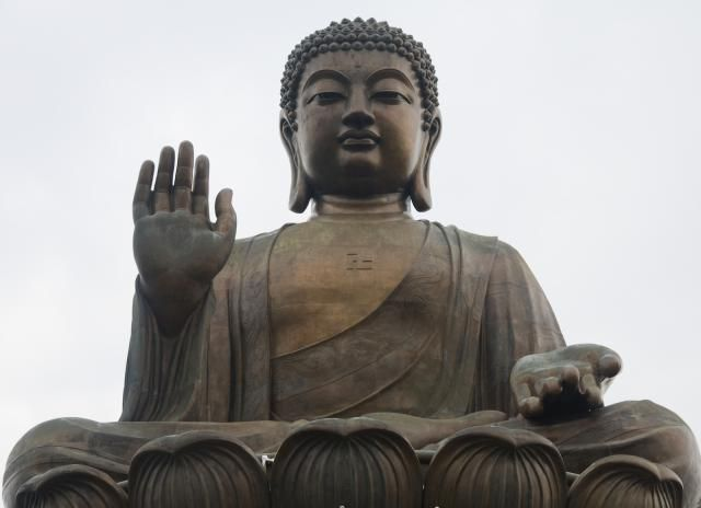 Your Guide To Buddha Hand Gestures (Mudras): Buddha Mudra # 1: ABHAYA - No Fear