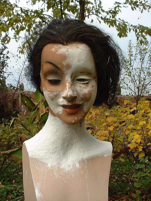 Restauration Der Schaufensterpuppe Broken Old Mannequin