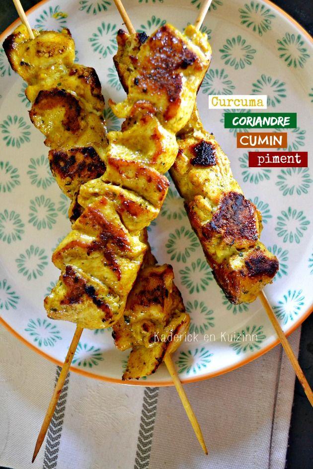 Plancha poulet - Brochettes de poulet au curcuma et cuisson à la plancha sur Kaderick en Kuizinn #plancha #poulet #curcuma