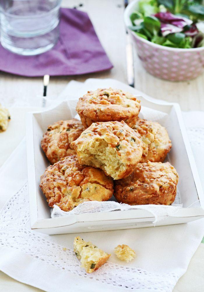 Muffins de cebollino y queso gruyere
