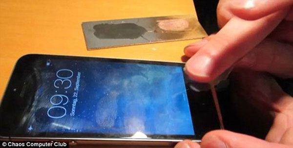 Hackers have succeeded in bypassing the fingerprint scanner security feature on the new iPhone 5S.   Latest Digitals