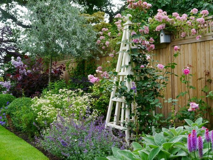 Portfolio of Janine Crimmins Garden Design based in Cheshire, winner of 4 RHS gold medals and best in show. Offering garden and landscape design in Cheshire, Staffordshire, Greater Manchester and across the North West