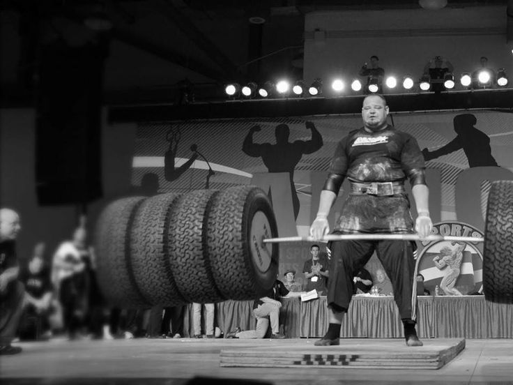 Brian Shaw at the Arnold's. Hummer deadlift.