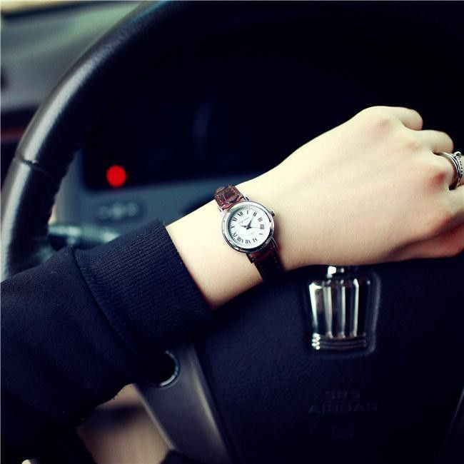Luxury Vintage Small Rome Dial Genuine Leather Thin Strap Quartz Dress Watch Wristwatches for Women Ladies Girls