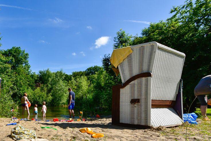 Gut Nisdorf, Kinder & Familienhotel in Mecklenburg Vorpommern - #BioHotel Am Naturteich die Seele baumeln lassen, wo in der Zwischenzeit der Papa auf der Kettcar - und Rollerstrecke unterwegs ist. #Ostsee #Familienurlaub