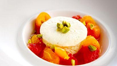 Semifreddo à la vanille et citron, salade d'agrumes et pistaches - Recettes de cuisine, trucs et conseils - Canal Vie