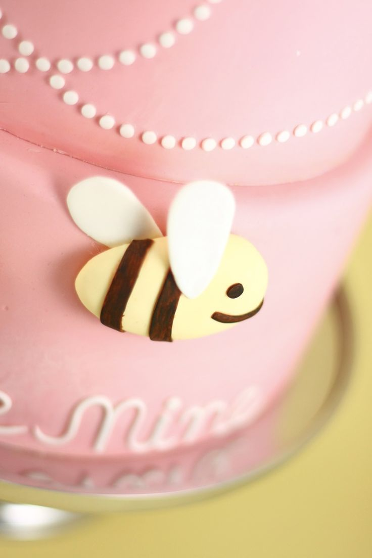 Eat Cake Be Merry - Bee Mine Valentine Cake