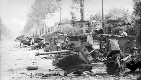 Segunda Guerra Mundial - La épica batalla entre un solitario tanque nazi y un ejército aliado