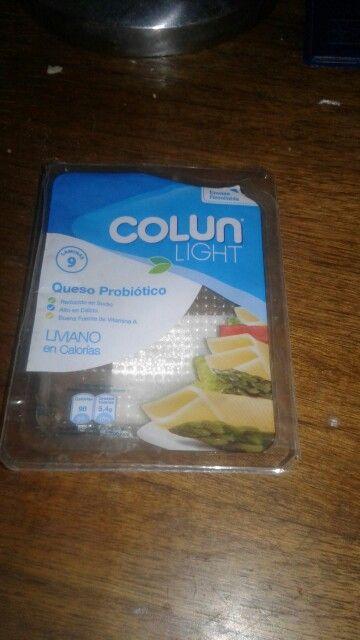 Queso Probiotico Colún (láminas)  264 calorias en 100 g 30 g de proteinas x 100 g 16 g de grasa x 100 g  326 mg de sodio x 100 g  Láminas más o menos