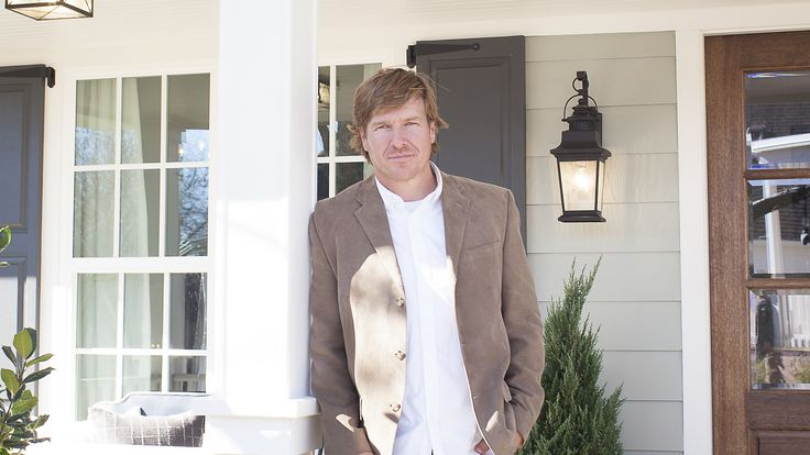 Watch Fixer Upper Full Episodes - Season 3 from HGTV