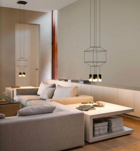 A decoração pode ser muito simples, mas se a iluminação for original, a divisão em causa fica decorada!