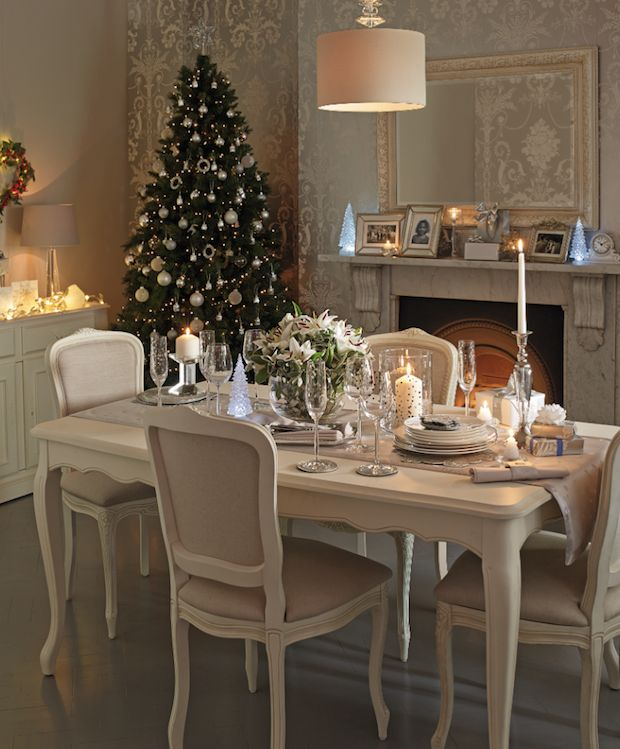 Dreamy table setting... #Christmas