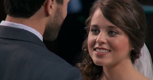 """Jinger Duggar Duggar's unity song at her wedding, """"Come Thou Fount,"""" was played by a well known music group."""