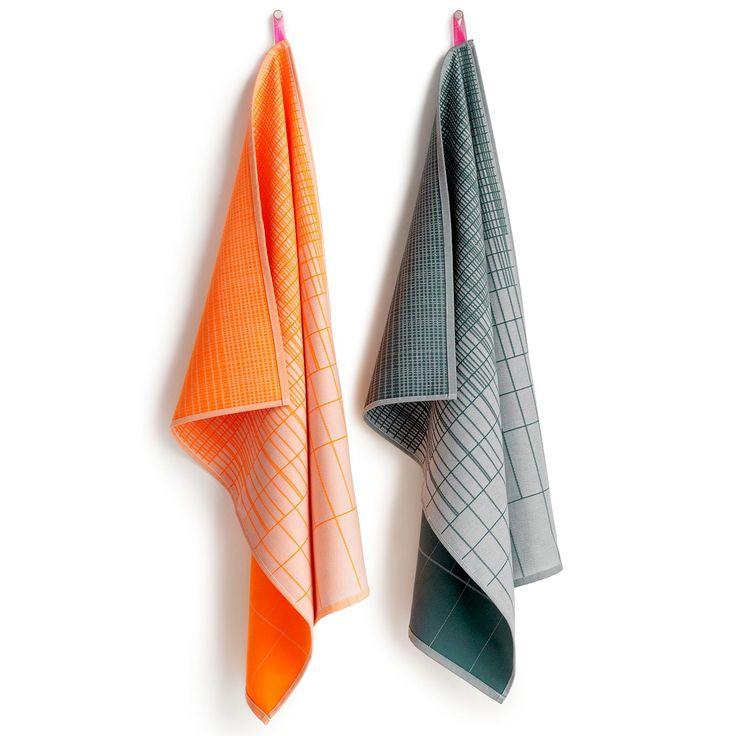 Tea Towel håndkle 2-pack fra Hay. To fargeglade kjøkkenhåndkler med fint mønster. Håndklene er vevet...