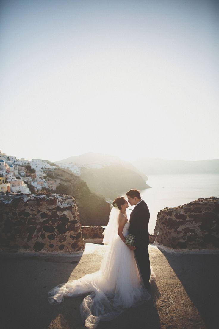Dawn to Dusk: Jonathan and Amanda's Santorini Engagement Shoot
