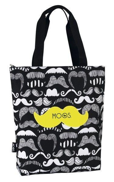 La línea Moos Moustache está compuesta por bigotes de diversos estilos y formas. Este bolso lo puedes utilizar en cualquier momento del día: en la universidad, para ir al trabajo, en tus reuniones con las amigas o compañeras... Te quedará bien con unos vaqueros y una camiseta, puedes combinarlo como prefieras. Dimensiones: 35 cm x 39 cm x 8 cm.