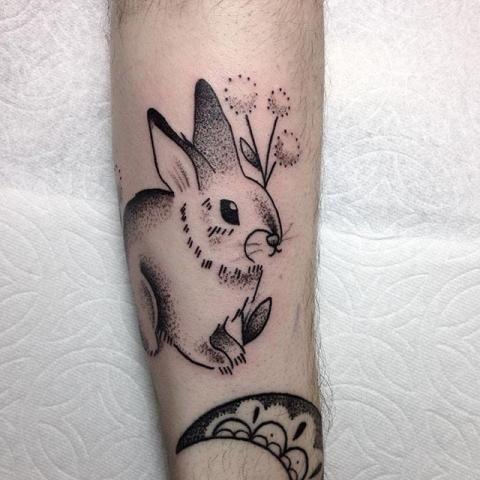 tatuaż królik | Pomysły i wzory tatuaży dla kobiet, mężczyzn human-tattoo.com