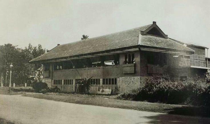 Kolam renang Brantas tahun 1930