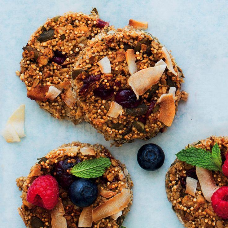 Oat and quinoa breakfast bars